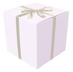 Białe pudełko prezentowe - Klapowe - 0,5 x 0,5 x 0,5m - Tasiemka jasnokremowa